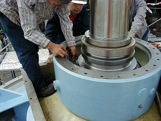 Installation thrust and radial bearings